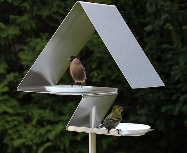 mangeoir à oiseaux moderne